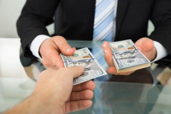 Cuentas devuelven dinero recibos listg