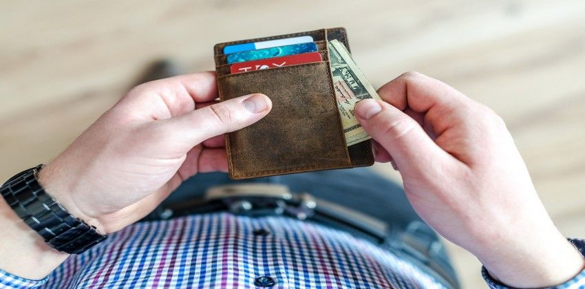 Money 32193371920 portada