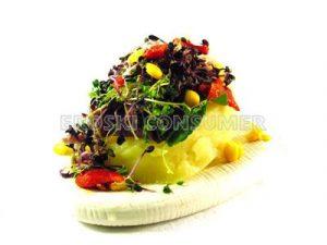 Ensalada de patata con germinados de brécol y lombarda