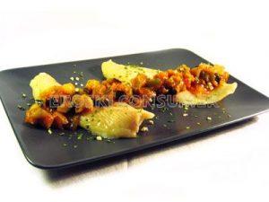 Filete de panga horneado con pisto