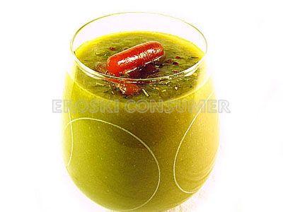 Sopa de judías verdes y picatostes de zanahorias
