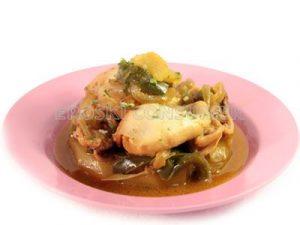Jibia con patatas y pimientos verdes