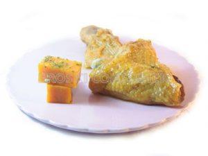 Muslo de pollo a la plancha con tacos de calabaza frita