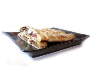 Empanada gallega rellena de pulpo y verduras