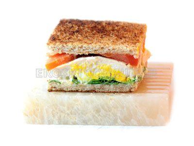 Sándwich Vegetal Con Pollo