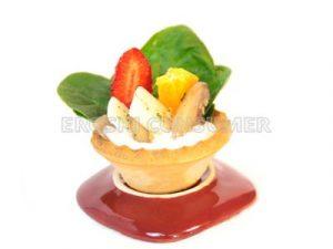 Ensalada de espinacas frescas con champiñones y queso parmesano