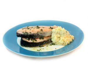 Salmón con crema de coliflor