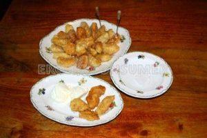Manzanitas caramelizadas con helado de vainilla