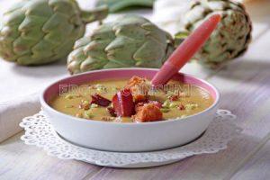 Crema de alcachofas con trocitos de jamón