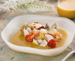 Crema lleugera de peix amb tomatitos rostits