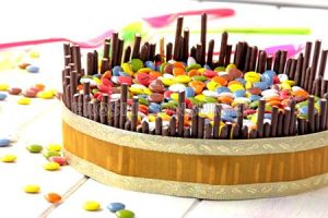 Torta de galleta, chocolote e lacasitos