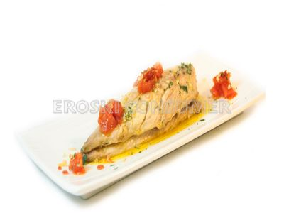 Verdel a la plancha con vinagreta templada de tomate