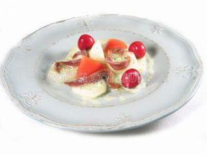 Ensalada de pepino con salsa de yogur