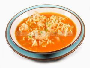 Sopa de gambas y fideos chinos