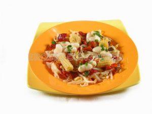 Ensalada china con vinagreta templada de soja