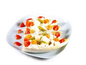 Endibias rellenas con macedonia de verduras y tomatitos