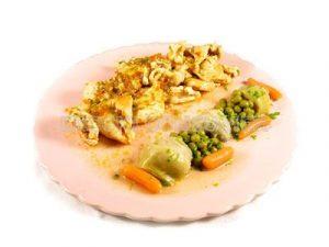 Pechuga de pavo guisada con menestra de verduras