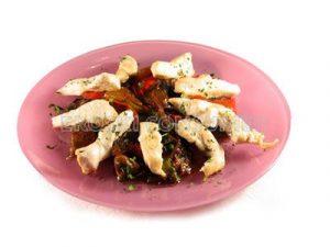 Salteado de pechuga de pollo con verduras