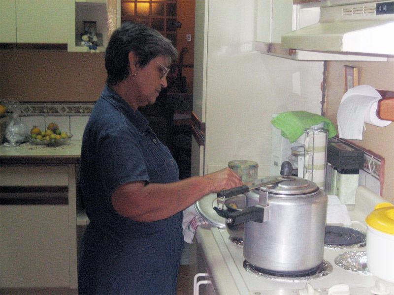 img_abuela cocinando