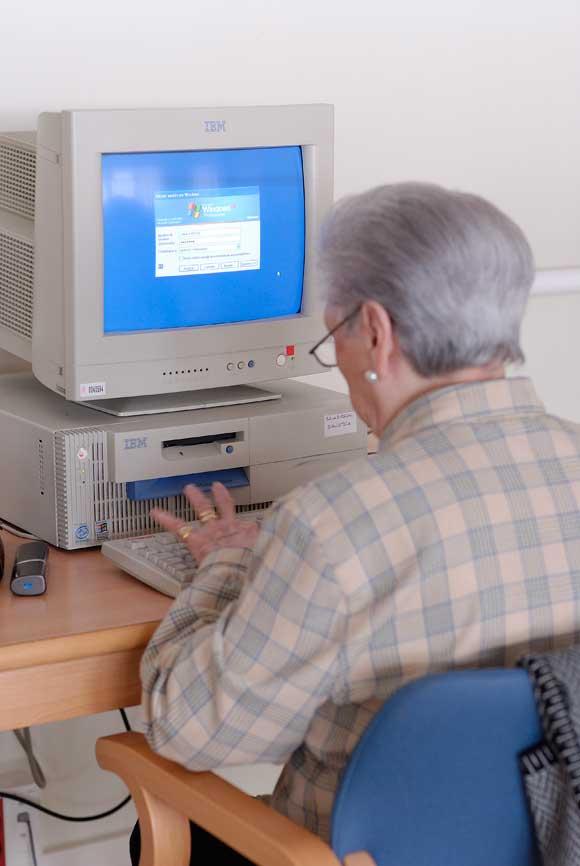 Img abuela ordenador