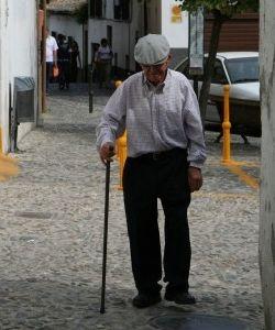 Img abuelo paseo