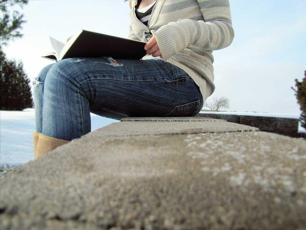 img_adolescente leyendo2