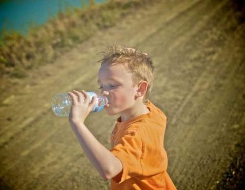 Img agua bebes calor art