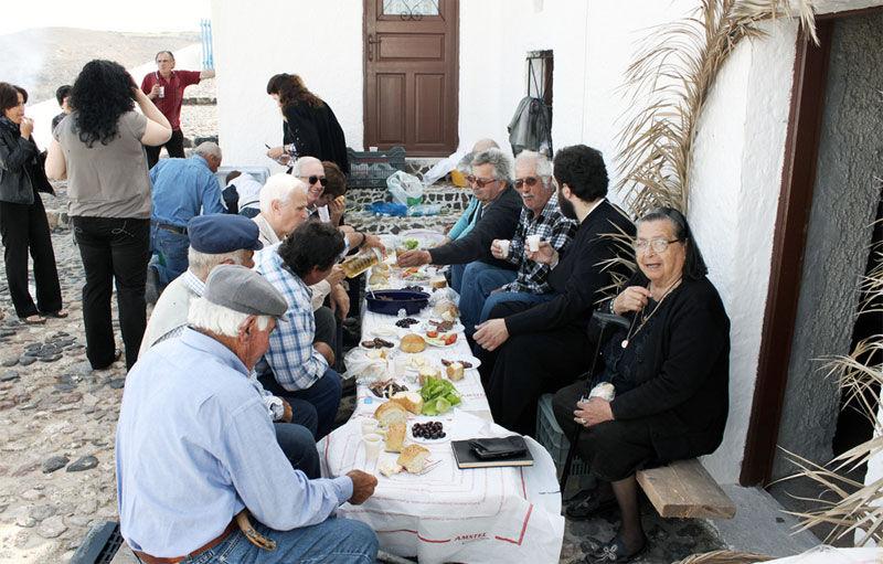 Img ancianos comida