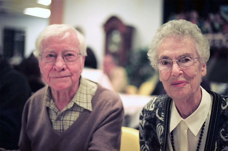 Img ancianos contentos