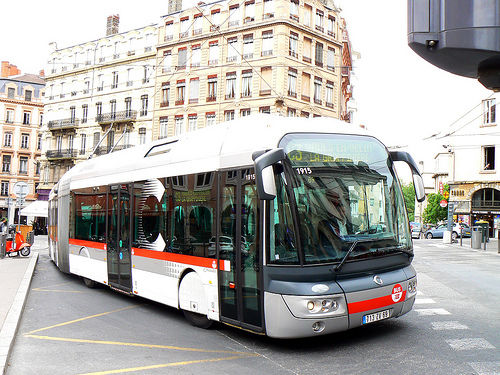 img_auto bus