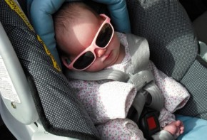 Img bebe gafas sol 01