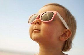 Img bebe gafas sol arti