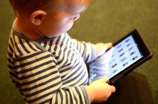Img bebes tecnologias panales inteligentes bebes gadgets cuidados paternidad listg