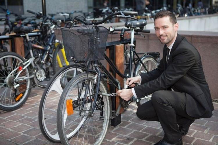 Img bicicleta traje