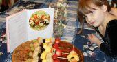 Img brocheta frutas