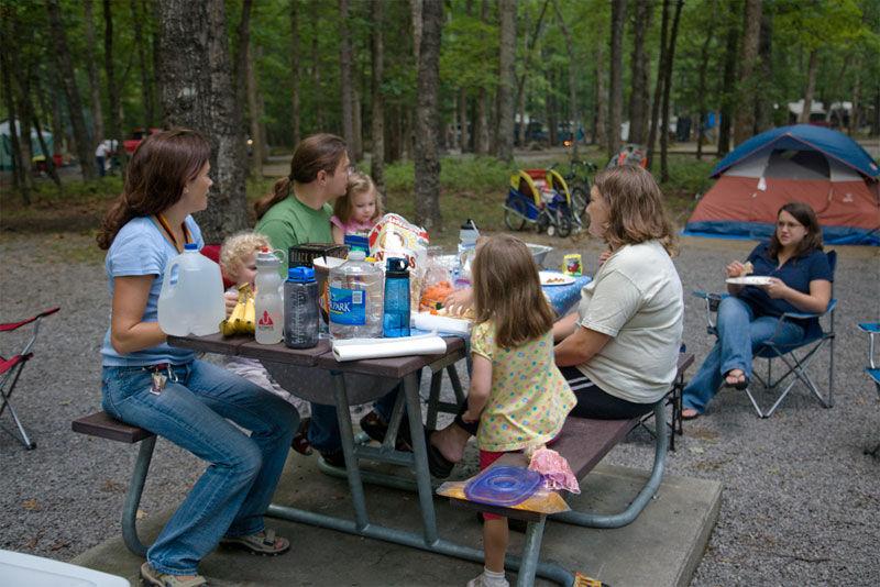 Img camping comer