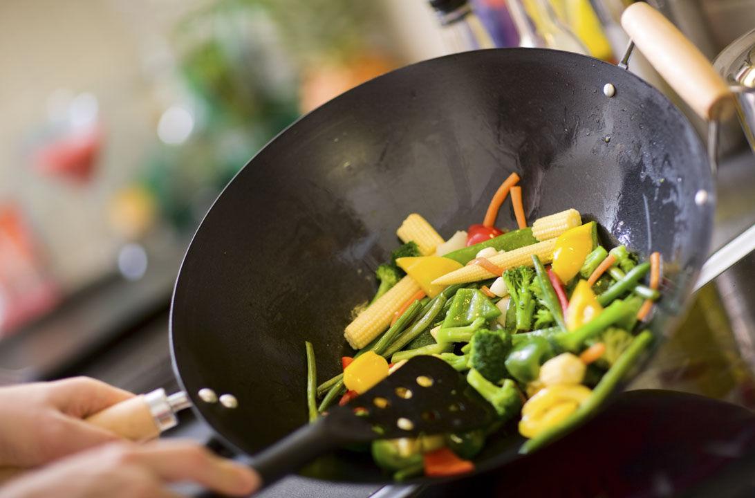 Cocinar Con Wok Ventajas Y Consejos Consumer