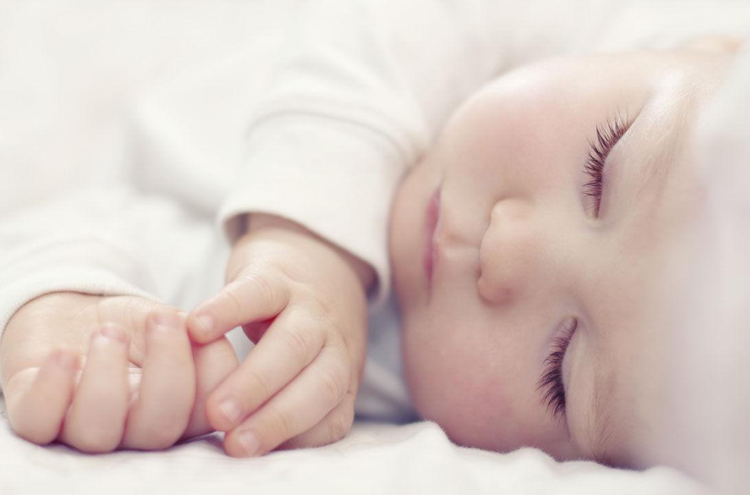Img como deberia dormir recien nacido hd