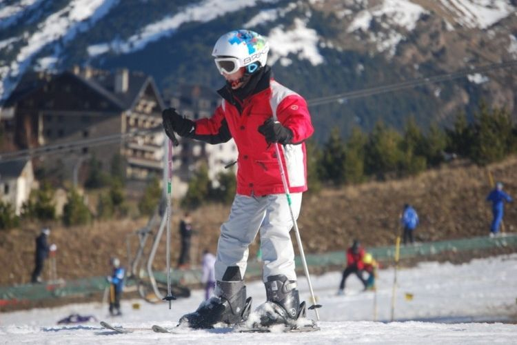 Img esquiar nino grande