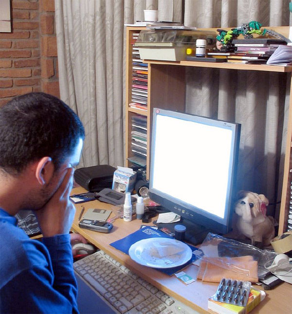 Img estudiante ordenador