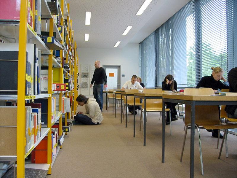 Img estudiantes biblioteca