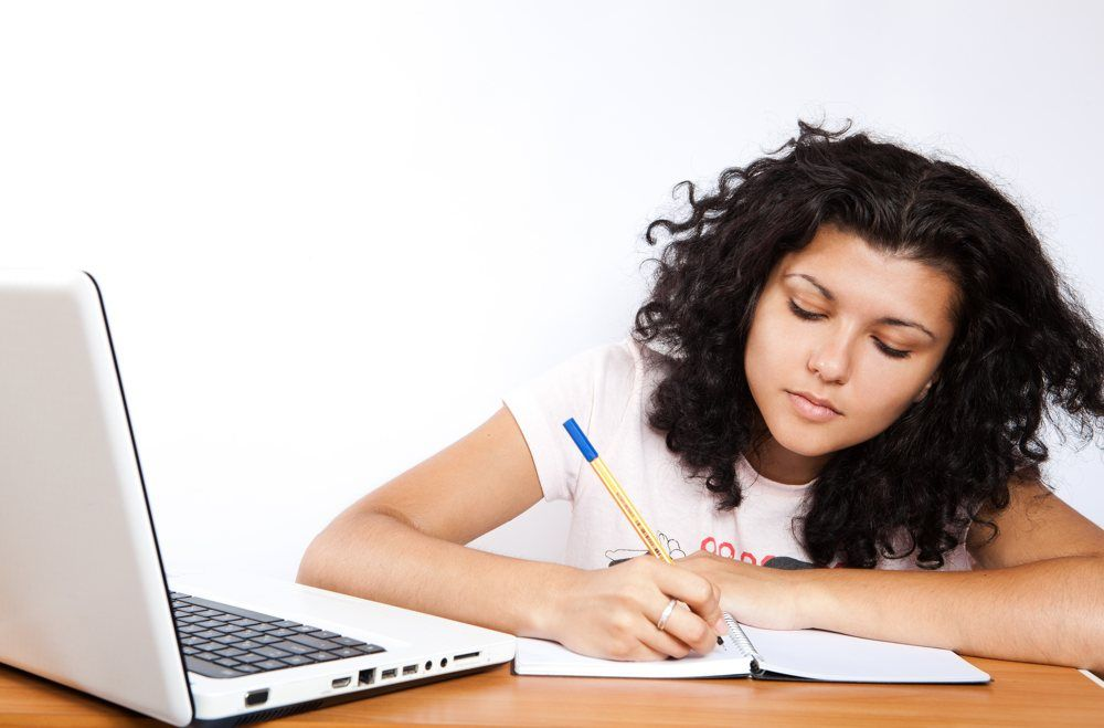 Img estudiar online internet cursos universidad