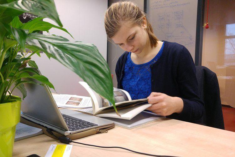 Img estudiar online ordenador