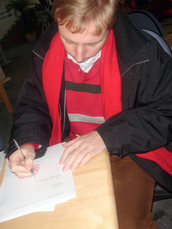 Img firmando