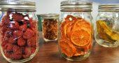 Frutas deshidratadas en bote