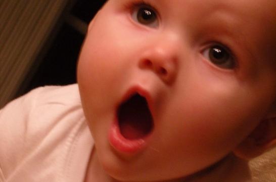 Img hablar bebes beneficios el poder inteligencia rendimiento escolar ninos crianza palabras listg