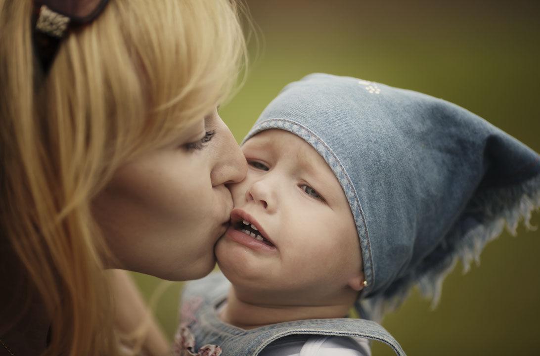 Img hijo no quiere besos hd