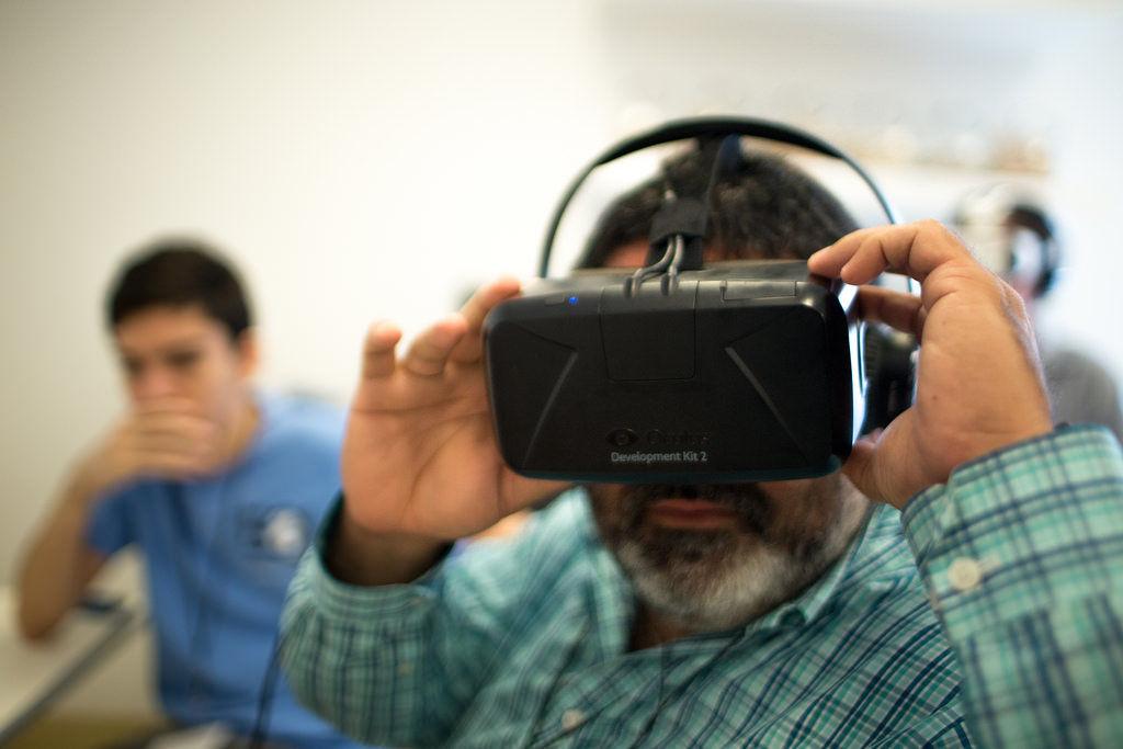 Img hombre oculus 182x120 listado