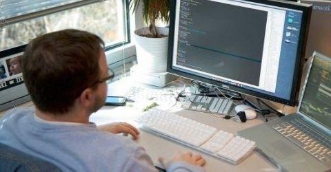 Img hombre ordenadorportada