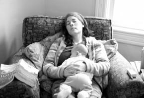 Img madre bebe cansancio